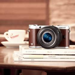 Samsung Releases NX300 Firmware V1.2 with Pinch to Zoom